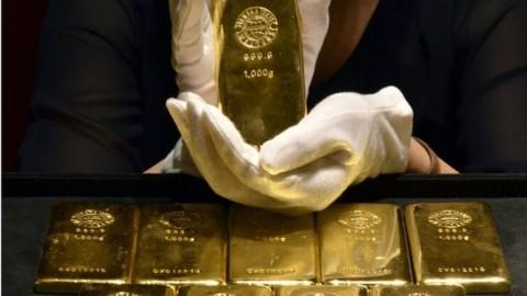 Kemilau Emas Dunia Diredupkan Dolar AS