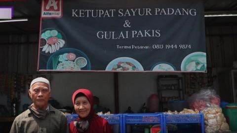 Nikmatnya Ketupat Sayur Padang Legendaris di Matraman
