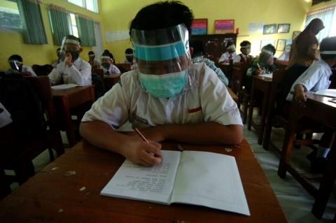 Sekolah Tatap Muka di Kabupaten Cirebon Ditangguhkan