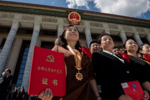 Tiongkok Gelar Upacara Mewah Hormati Petugas Medis