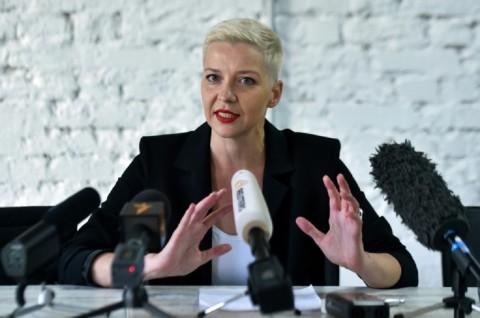 Tolak 'Diusir' ke Ukraina, Oposisi Belarusia Robek Paspor