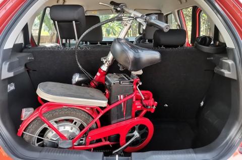 Citycar untuk Menunjang Kegiatan Bersepeda, Memang Muat?