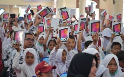 Tak Cuma Subsidi Pulsa, Ada Tablet Murah untuk Pelajar