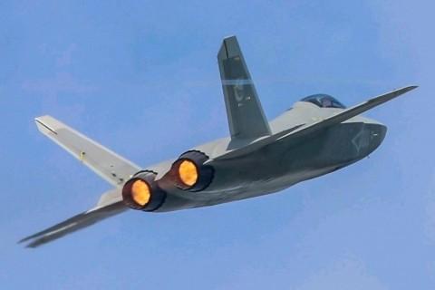 Tiongkok Uji Terbang Jet Tempur Tiruan F-35 Milik AS