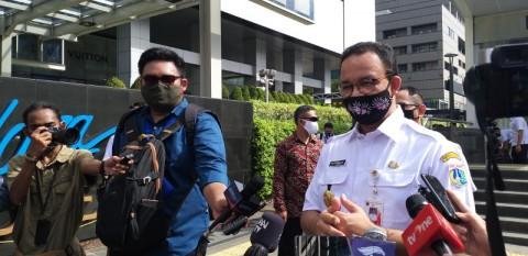 PSBB Total, Anies Minta Masyarakat Disiplin Gunakan Masker