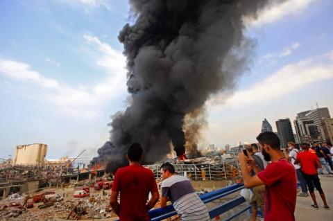 Kebakaran Landa Gudang Beirut, Picu Kekhawatiran Ledakan Baru