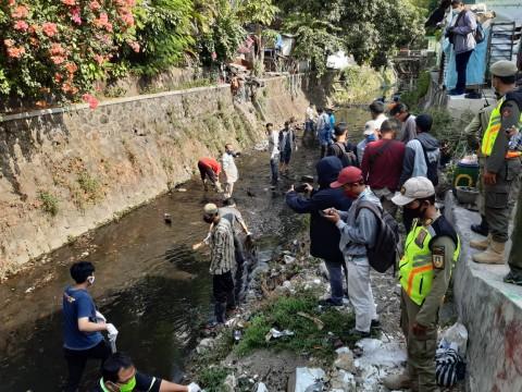 Palanggar Protokol Kesehatan di Solo Diberi Sanksi Bersihkan Sungai