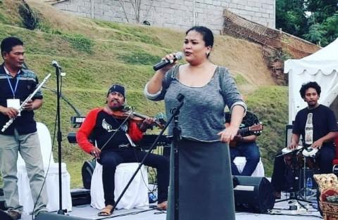 Aktivitas Bertha Selain Berikan Kursus Vokal Daring Selama Pandemi Covid-19