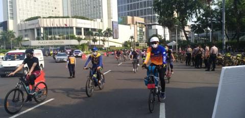 Jelang PSBB Total, Sudirman-Thamrin Masih Ramai