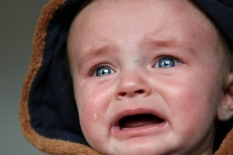 Apakah Benar Gigi Bayi yang Tumbuh Disertai Demam?