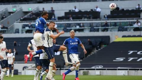 Everton Menang Tipis di Kandang Tottenham