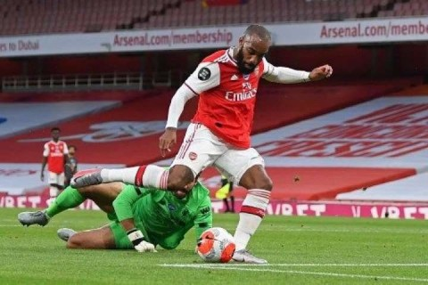 Lacazette Bantah Ingin Hengkang dari Arsenal