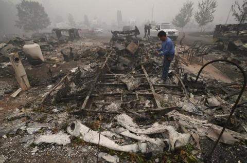 Korban Tewas Kebakaran Hutan AS Jadi 33 Orang