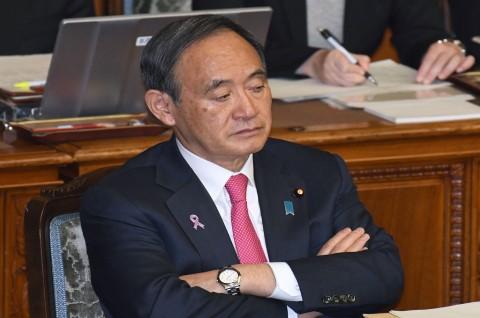 Jadi Ketua LDP, Yoshihide Suga Selangkah Lagi Jadi PM Jepang