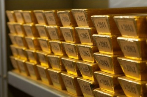 Emas Dunia Sukses Salip Dolar AS