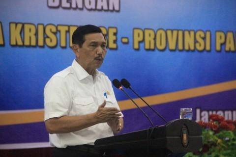 Presiden Minta Luhut Fokus Tangani Covid-19 di 9 Provinsi