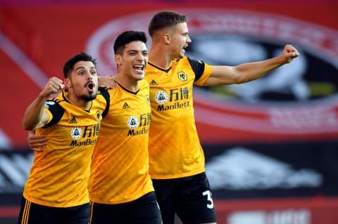 Wolves Tundukkan Tuan Rumah Sheffield 2-0