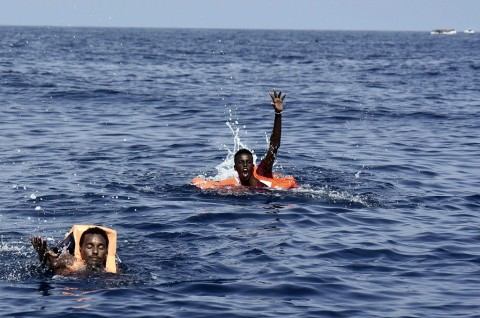 Tiga Imigran Tewas, 53 Diselamatkan di Perairan Yunani