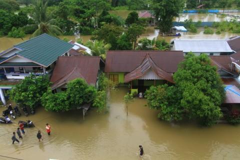 Banjir di Putussibau Belum Surut