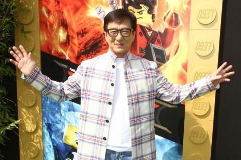 Jackie Chan Hampir Tewas saat Syuting, Sutradara Menangis