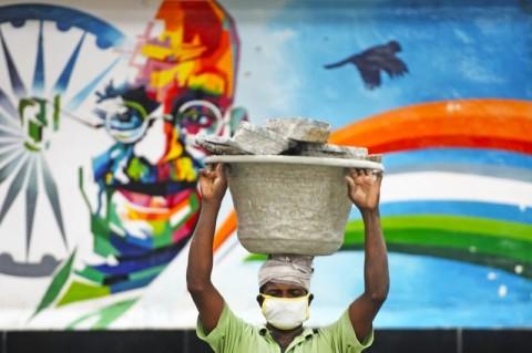 Dunia Hari Ini: Bela Kasta Terendah, Mahatma Gandhi Rela Lakukan Mogok Makan