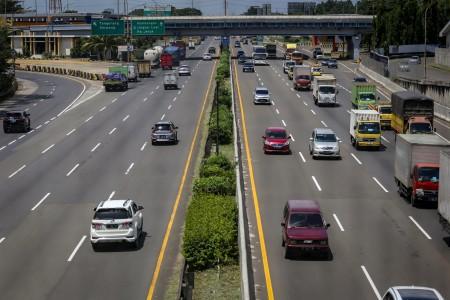 Volume Kendaraan Masuk Jakarta Menurun 20 Persen