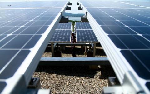 Pemerintah Genjot Pemanfaatan Energi Surya Demi Capai 23% EBT 2025