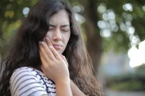 6 Bahan Alami untuk Tangani Sakit Gigi