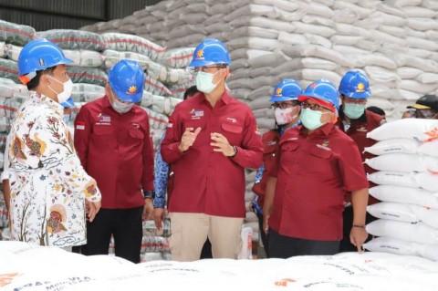 120.000 Keluarga Penerima Manfaat di Cirebon Terima Bansos Beras