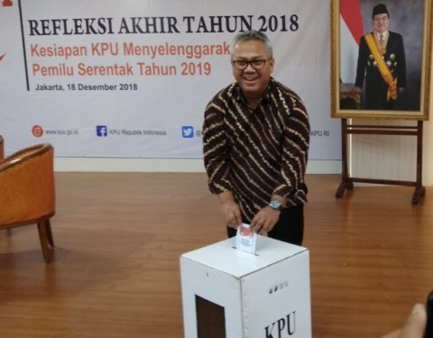 KPU Chairman Arief Budiman Tests Positive for Covid-19