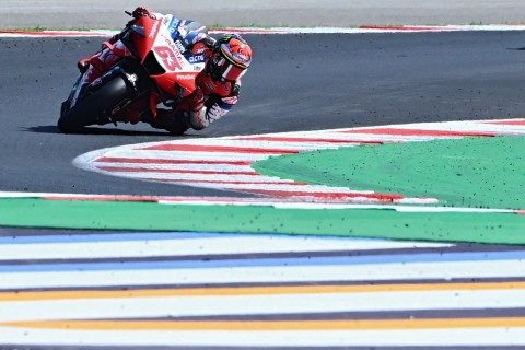 Ciptakan Rekor, Pembalap Francesco Bagnaia Pimpin Free Practice III