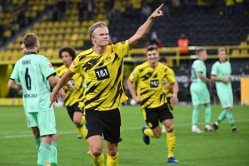 Brace Haaland Warnai Kemenangan Dortmund atas M'gladbach
