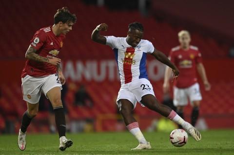 Van de Beek Cetak Gol, Manchester United Tetap Dipermalukan Crystal Palace