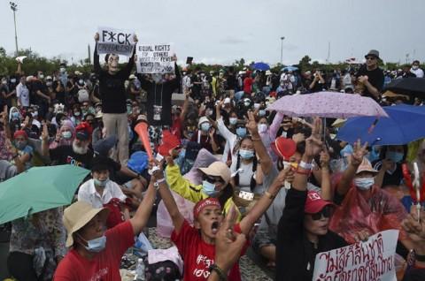 Ribuan Warga Thailand Desak Reformasi Pemerintahan