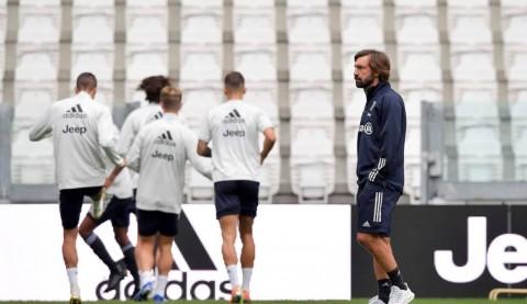 Jelang Laga Debut, Pirlo Khawatir dengan Kebugaran Pemain Juventus
