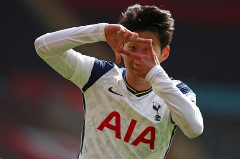 Southampton vs Tottenham: Son Heung-min Quattrick, Spurs Menang Telak