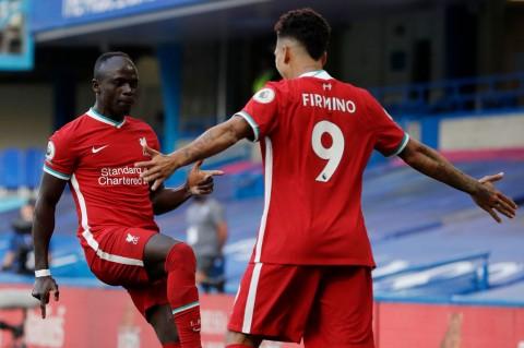 Liverpool Bekuk 10 Pemain Chelsea 2-0