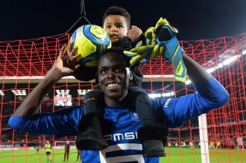 Chelsea Capai Kesepakatan dengan Kiper Rennes Edouard Mendy