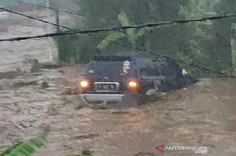 12 Rumah di Sukabumi Hanyut Terseret Banjir Bandang