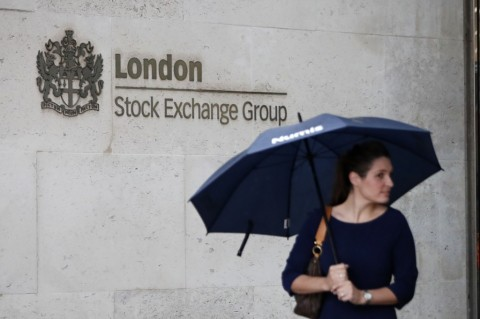 Bursa Saham Inggris Anjlok 3,38%