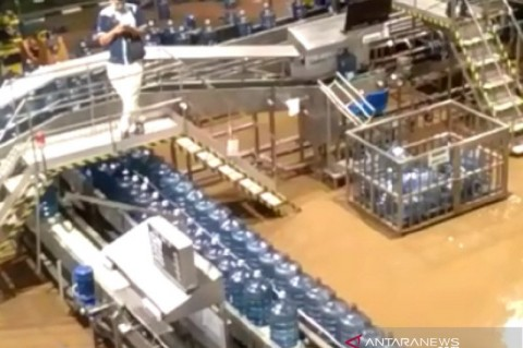 Pabrik Aqua di Sukabumi Terendam Banjir