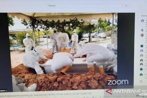 Pemakaman Putra Wali Kota Jambi dengan Protokol Covid-19
