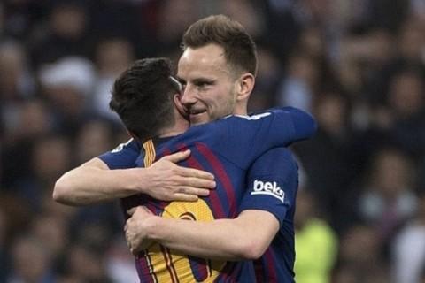 Rakitic tak Punya Hubungan Baik dengan Messi dan Suarez