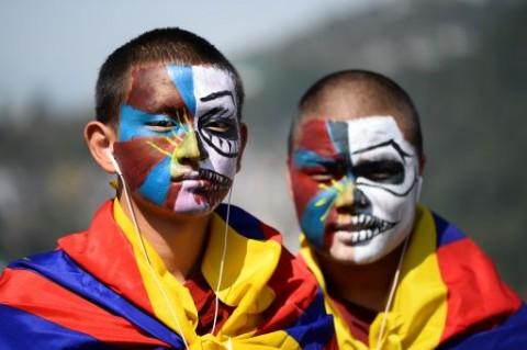 Tiongkok Dilaporkan Paksa Program Kerja untuk Warga Tibet
