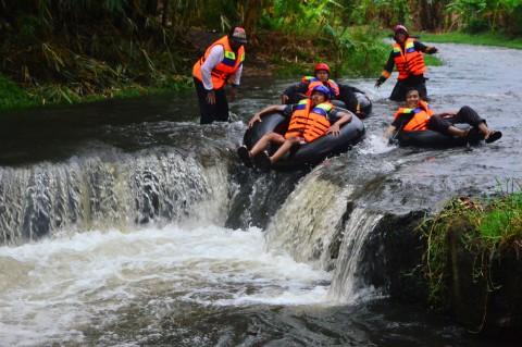 Menikmati Wisata River Tubing di Sungai Logung Kudus