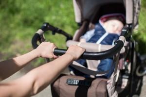 Perlukah Bayi Baru Lahir Mendapatkan Udara Segar di Luar Rumah?