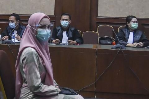 Jalani Sidang Perdana, Jaksa Pinangki Kenakan Gamis dan Kerudung Pink