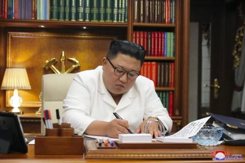 HUT Korut, Presiden Jokowi Kirim Karangan Bunga untuk Kim Jong-un