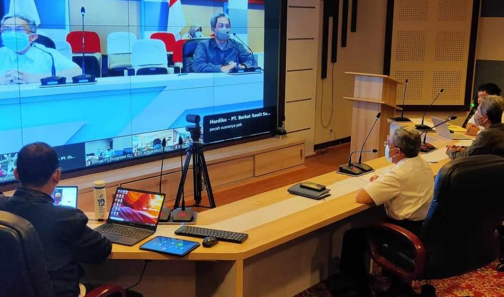 Direktur Jenderal PPKL KLHK, Karliansyah, menjelaskan kriteria kandidat hijau dalam sosialisasi Proper, kemarin. Foto: KLHK