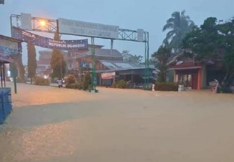 Kabupaten Pesisir Selatan Dilanda Banjir dan Longsor